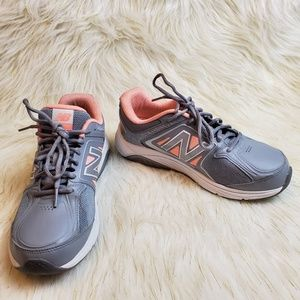 New Balance 847v3 Walking Sneakers Size 7.5